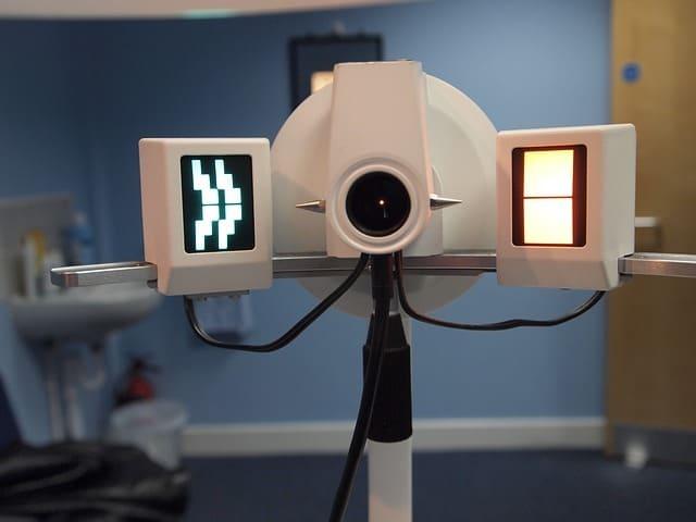 視力検査の機械