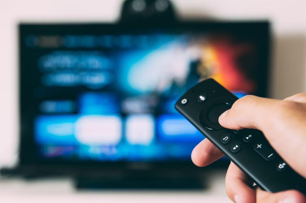テレビ・雑誌などメディア業界のインスタAR活用事例9選|Netflix、逃げ恥、VOGUE、ELLE JAPANなど